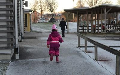 En ansökan måste göras för att få en plats i förskolan.