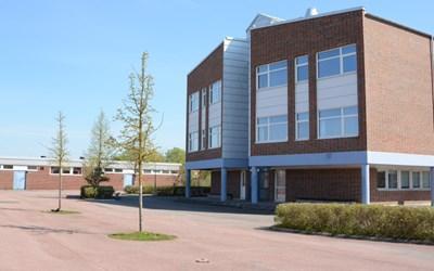 På Fröknegårdskolan H går elever i årskurs 6-9.