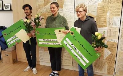 Årets Lionsstipendiater. Från vänster: Nils Thorkelsson-Persson, Svanhildur Magnusdottir Skulasson och Liam Appelqvist. Foto: Eva Johansson