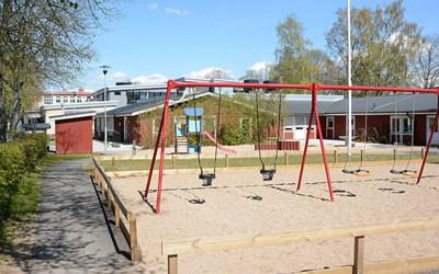 Smedjegårdens förskola ligger i Färlöv, 10 km nordväst om Kristianstad med närhet till omväxlande och vackra naturområden.