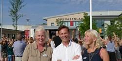 Charlotta Jeppsson, Daniél Tejera och Carina Jörnland hälsade eleverna på Sånnaskolan välkomna.