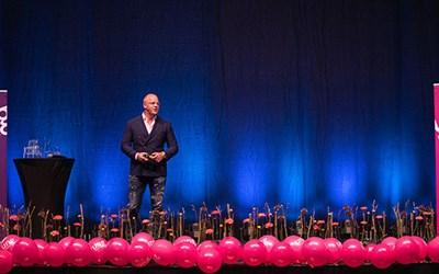 Henrik Persson Ekdahl höll en inspirerande föreläsning under UF Kick-offen i Kristianstad Arena 2019.