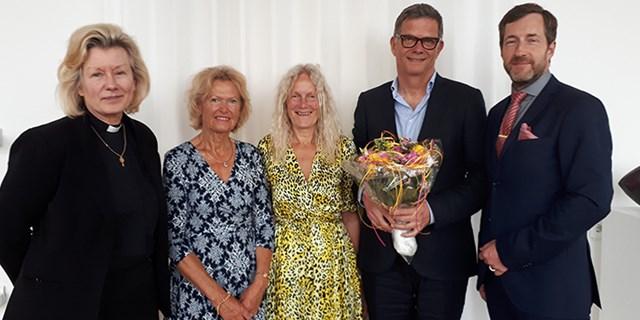 Från vänster: Louise Nyman kyrkoherde Svenska kyrkan Kristianstad, Ulla Malmgren kyrkorådets ordförande, Christina Borglund ordförande byggnadsnämnden, Mats Svensson Sesam arkitektkontor och Tommy Danielsson förvaltningschef miljö- och samhällsbyggnadsförvaltningen