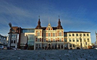 Extra statsbidrag har gjort budgetläget en aning ljusare och tillåter prioriterade satsningar inom utpekade områden i huvudförslaget till budget 2021 för Kristianstads kommun.