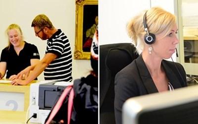 Besökare hos medborgarcenter i Rådhus Skåne och handläggare som svarar i telefon.