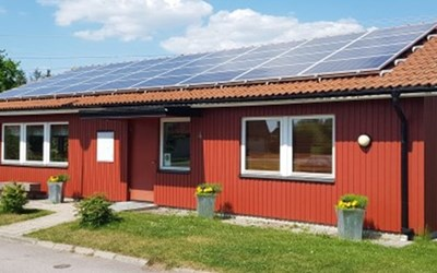 Bild på hus med solceller