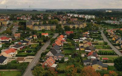 Näsby är en stadsdel med stor variation i bebyggelsen och med stora utvecklingsmöjligheter.