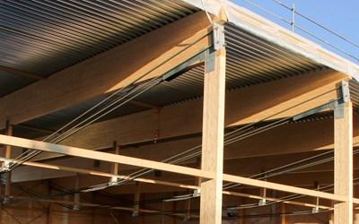Takstolarnas typkonstruktion. Bilden kommer från Statens haverikommessions anmälan om möjliga risker med takkonstruktion. Foto: Johan Enback.