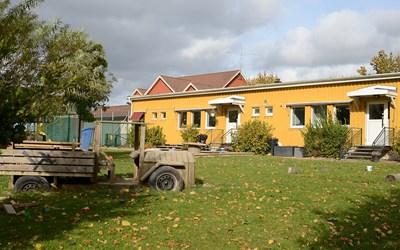 Kalvalyckans förskola ligger i mitten av Everöds byoch är omgiven av vacker natur.