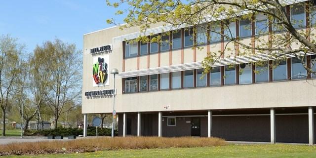Milnergymnasiets skolbyggnad
