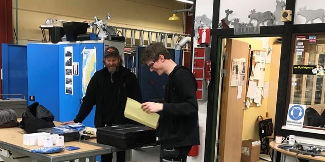 Dennis Kristensson fick ett glädjande besked av Stefan Enocksson från Byggnads.