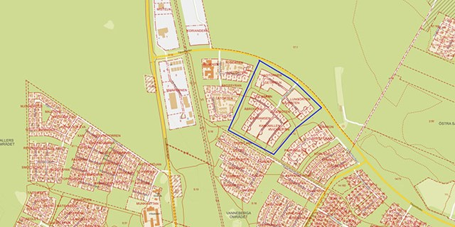 22 villatomter släpps nu till de som vill bygga i Åhus. 13 av tomterna ligger i det markerade området och övriga nio i kvarteren intill.