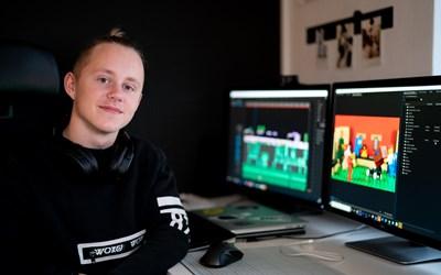 """Ville Larsson Lindström, vinnare i den rikstäckande filmtävlingen """"Berätta för 100 andra""""."""