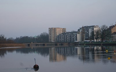 Bild av ån vid Lastageplatsen i Kristianstad.