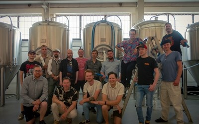 Bryggeriteknikerna som precis tagit examen.