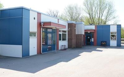 På FröknegårdskolanLM går elever i årskurs F-6.