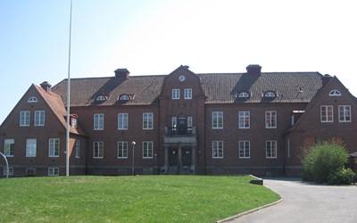 På Utvecklingsavdelningens centrala mottagningsfunktion hjälper vi dig som ska anmäla nyanlända barn och elever till förskolan, grundskolan och gymnasieskolan i Kristianstads kommun.
