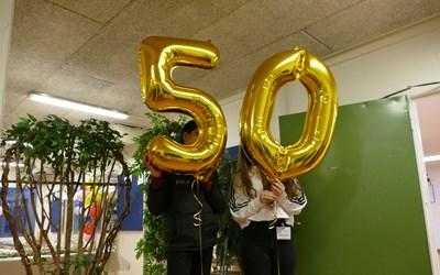 Skolan firar stolt sina 50 år.
