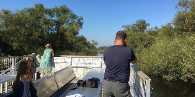 Det nederlänska medieteamet tar bilder i Kristianstads Vattenrike