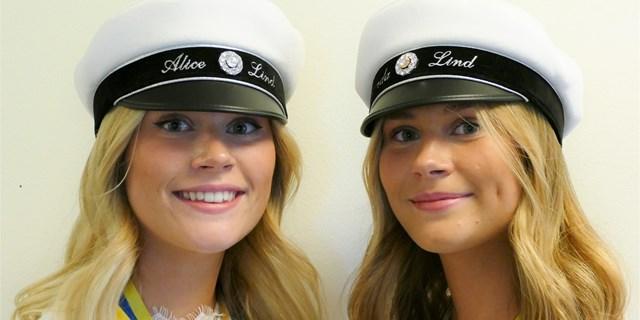 Syskonen Alice och Amanda Lind är två av 2020 års studenter som fått läsa på distans.