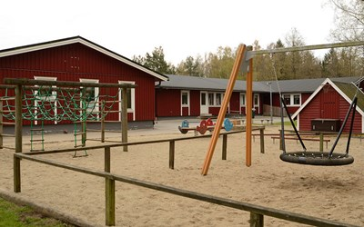 Björkets förskola, vid skogen men ändå nära staden.