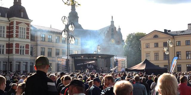 Förra veckans musikkväll på Stora torg var uppskattad av många. Den här veckan är det Linnea Henrikssons tur på onsdag.