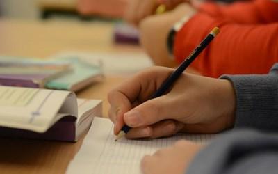 Resursskolan har färre elever och mer personal för att skapa en godlärmiljö och ge de bästa förutsättningarna för elevensutveckling.