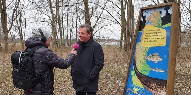 Många vill intervjua kommunalrådet Pierre Månsson om lägsta punkten, men han vill hellre prata om allt annat som Kristianstad har att erbjuda.