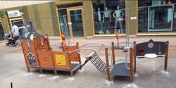 Snart kan leksugna barn börja använda den nya lilla lekplatsen på Östra Boulevarden.