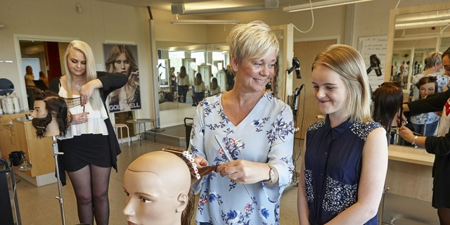 Hantverksprogrammen Frisör och Florist flyttar till Christian 4:s Gymnasium.