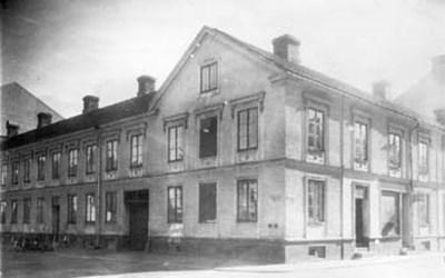 Mäster Jörgensgatan 2A - Västra Storgatan 55, Kristianstad, tidigast omkr. 1945.