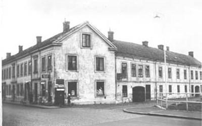Västra Storgatan 59A och 59B - Östra Ågatan 5A och 5B, Kristianstad, senast slutet 1930-talet.