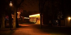 Belysning är en viktig faktor för att skapa trygghet. Likaså en god och synlig närvaro av polisen. Vid torsdagens digitala träff med kommunens största företag var Anders Olofsson, chef polisområde Kristianstad, inbjuden för att prata trygghet och om polisens arbete.