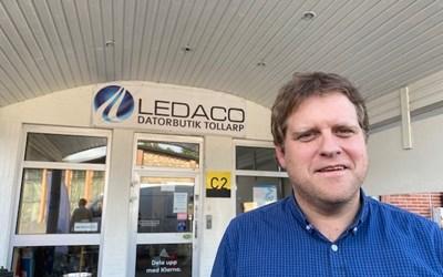 Daniel Lennartsson startade it-företaget Ledaco 2006. I dag har Tollarpsföretaget 24 anställda och omsätter runt 20 miljoner kronor.