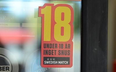 Tobak får inte säljas till någon som är under 18 år