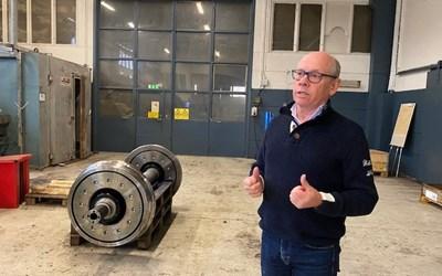 Thomas Olsson är fjärde generationen att driva Erik A Olssons mekaniska i Tollarp.