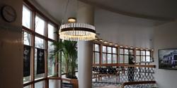 Ny tjusig lampa i foajén på Kristianstads teater